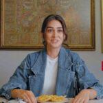 Esra Bilgiç Trying Out Pakistani Food, Watch her No.1 Pakistani Dish