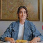 Esra Bilgiç Trying Out Pakistani Food, Watch her No.1 Pakistani Dish