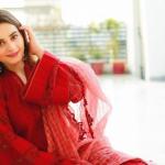 Aimen Khan To Launch Her Own Fragrance With Kohasaa